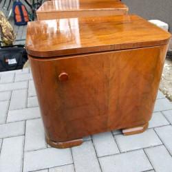 Nočný stolík bude slúžiť ako barový príručný
