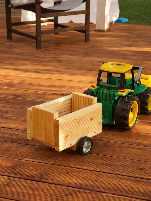 Traktor s hotovým prívesom