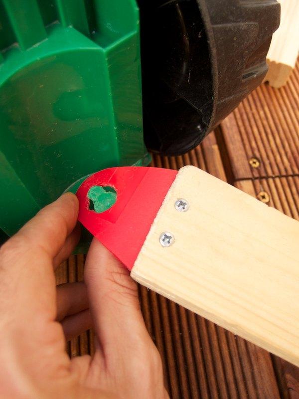 Ohybný plast sa dá ľahko nasadiť na hák traktora